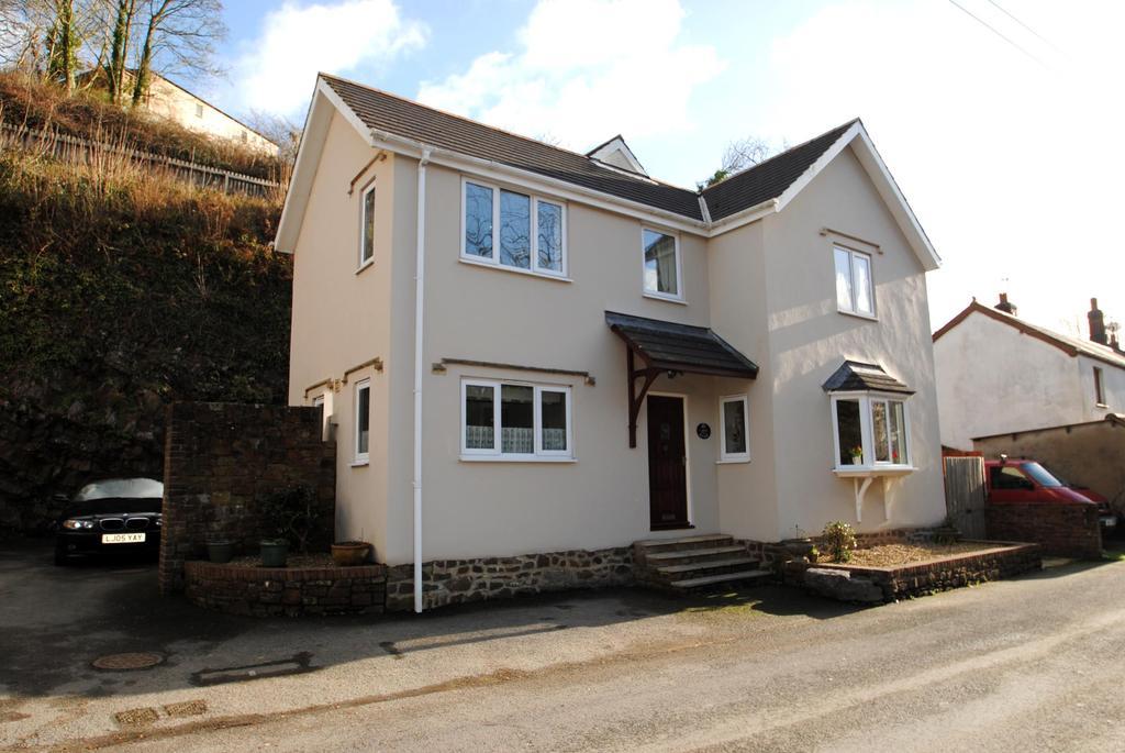 4 Bedrooms Detached House for sale in Big Boulders, Weare Giffard