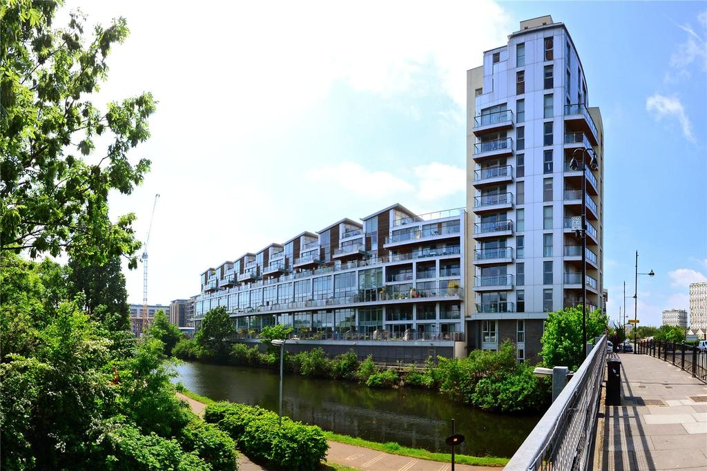 2 Bedrooms Flat for sale in Victoria Wharf, 2 Palmers Road, London, E2