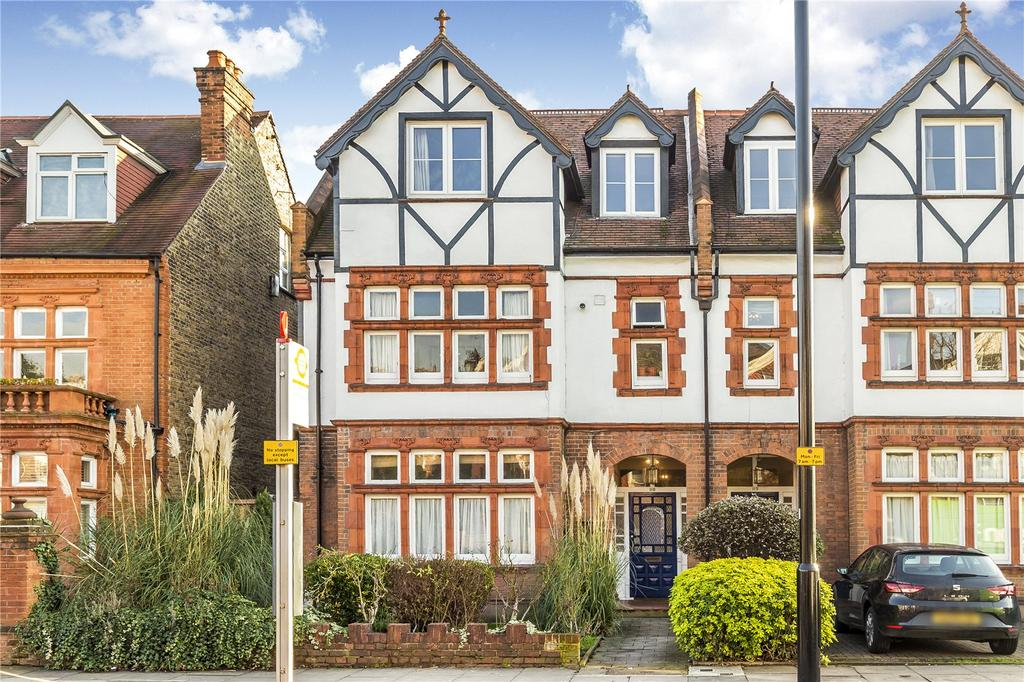 3 Bedrooms Flat for sale in Sutton Court Road, Grove Park, Chiswick, W4