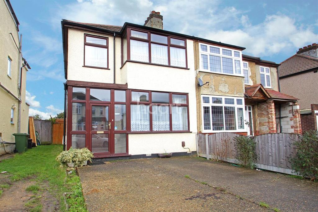 3 Bedrooms Semi Detached House for sale in Belgrave Avenue, Gidea Park