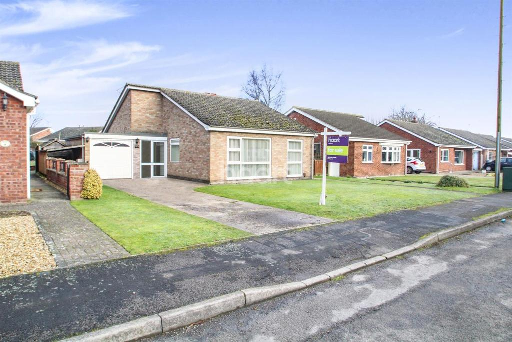 4 Bedrooms Bungalow for sale in Martin Close, Skellingthorpe