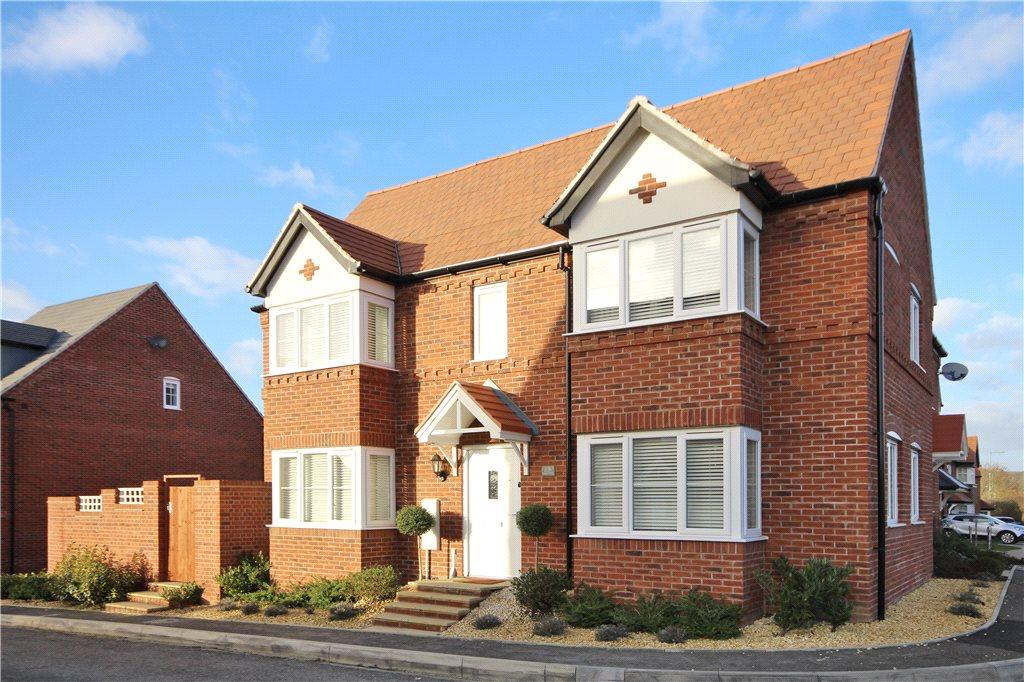 3 Bedrooms Semi Detached House for sale in Badgers Way, Bishopton, Stratford-upon-Avon, CV37