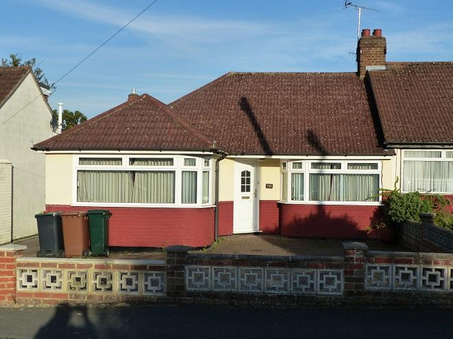 3 Bedrooms Semi Detached Bungalow for sale in St Georges Drive,Carpenders Park,WD19 5HE