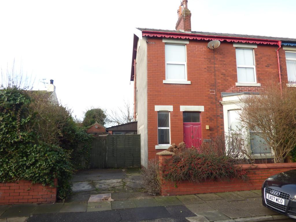 3 Bedrooms Semi Detached House for sale in Hawthorne Road , Thornton Cleveleys