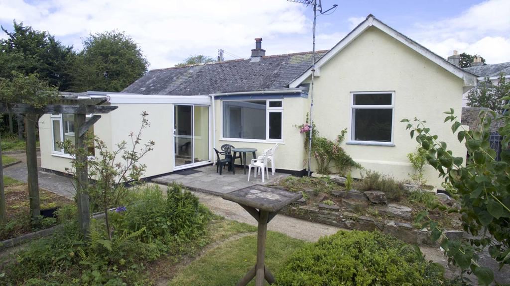 5 Bedrooms Detached Bungalow for sale in Brocks Lane, Millbrook