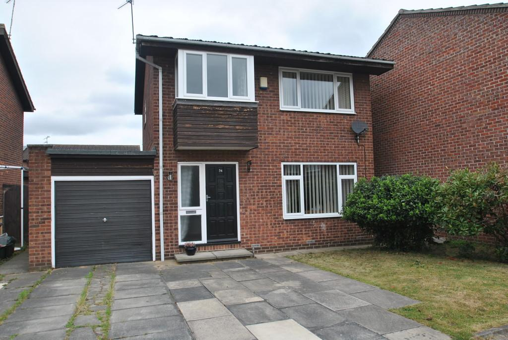 3 Bedrooms Detached House for sale in Scaftworth Close, Bessacarr, DN4 7RH