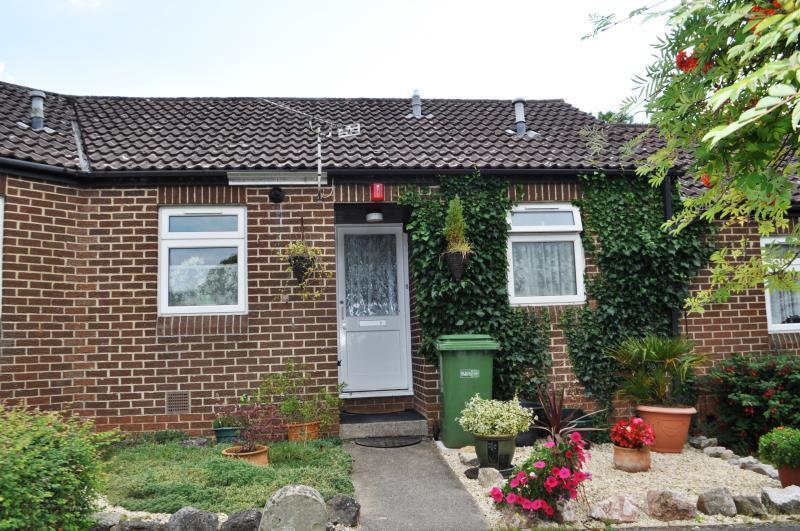 1 Bedroom Bungalow for sale in Besley Court, Lethbridge Road, Wells, Somerset, BA5