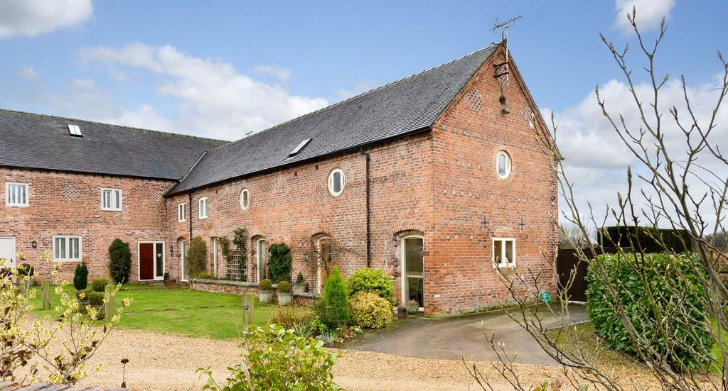 3 Bedrooms Barn Conversion Character Property for sale in Acton, Nr Nantwich, Cheshire