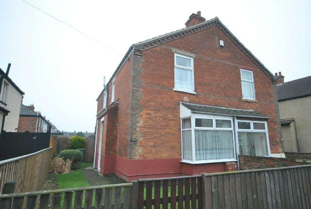 3 Bedrooms Semi Detached House for sale in Lord Street, GRIMSBY