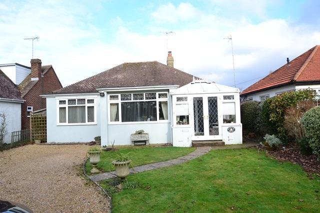 2 Bedrooms Detached Bungalow for sale in Little Paddocks, Ferring, West Sussex, BN12 5NH