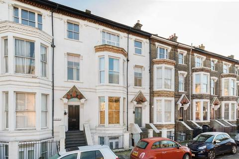 1 bedroom flat to rent - St Aubyns Road, Upper Norwood, London, SE19 3AA