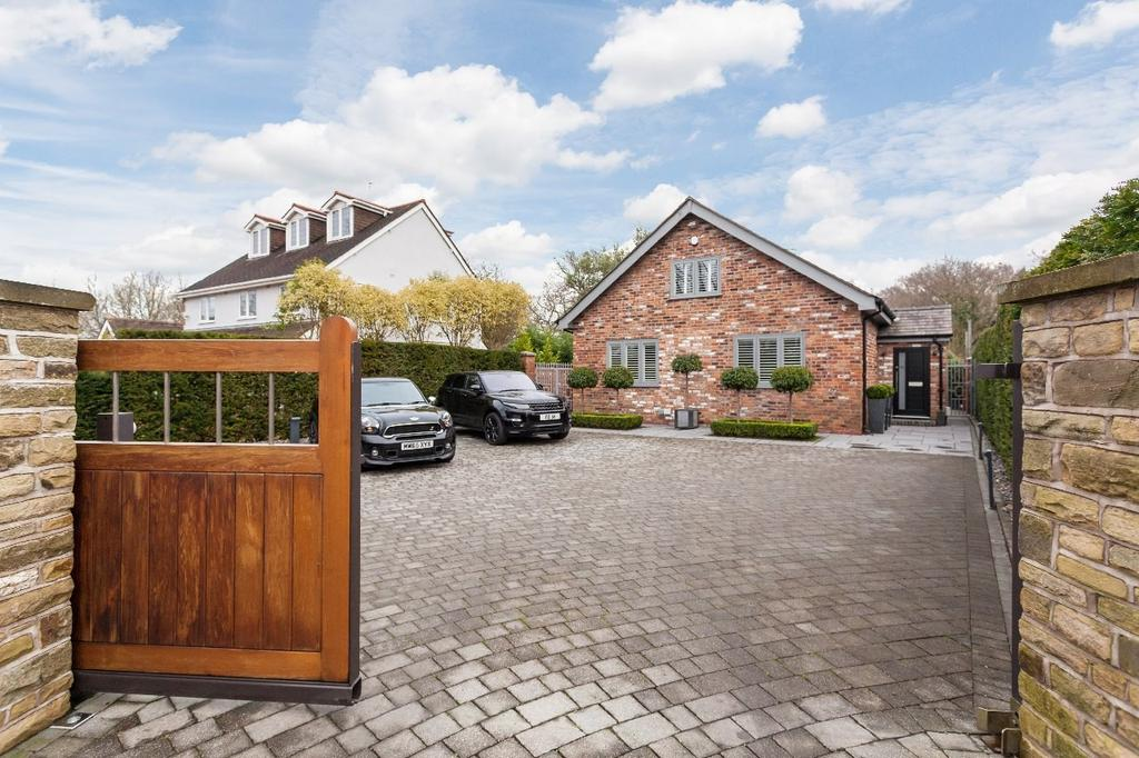 4 Bedrooms Detached House for sale in Moor Lane, Woodford