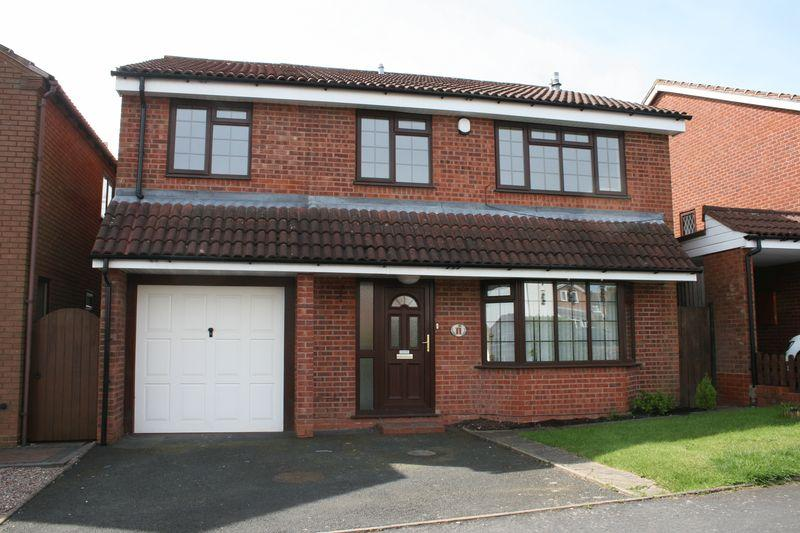 4 Bedrooms Detached House for sale in Wheelwright Close, Bromsgrove