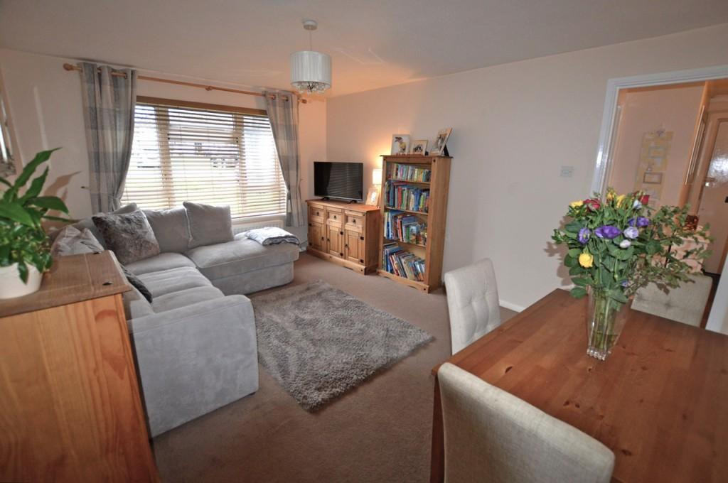 1 Bedroom Apartment Flat for sale in Levett Road, Leatherhead, KT22