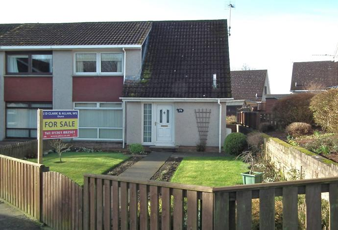 3 Bedrooms Semi Detached House for sale in 75 Hawthorn Bank, Duns, TD11 3HL