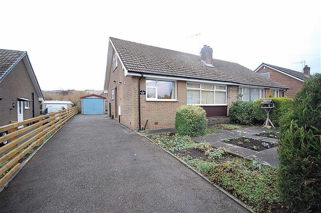 3 Bedrooms Semi Detached Bungalow for sale in Rufford Road, Elland, HX5