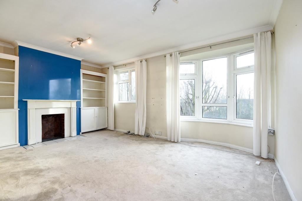 3 Bedrooms Flat for sale in Spencer Park, Wandsworth, SW18