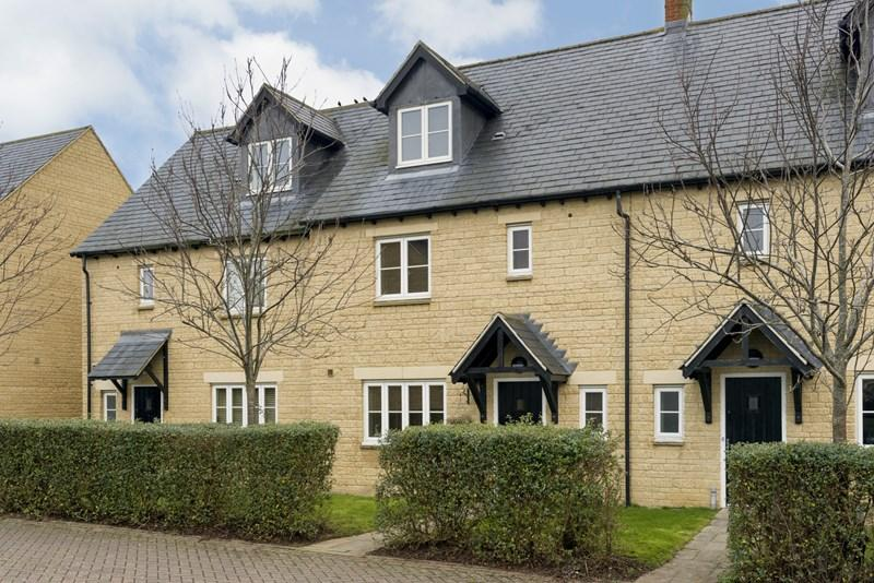 4 Bedrooms Town House for sale in Old Johns Close, Middle Barton, Chipping Norton