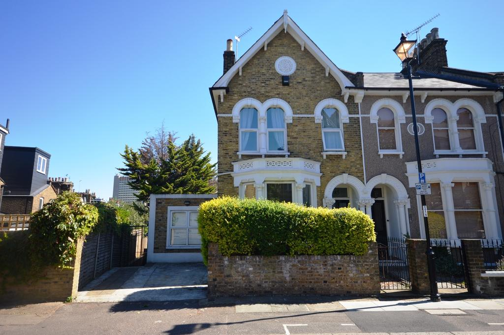 5 Bedrooms End Of Terrace House for sale in Algernon Road London SE13