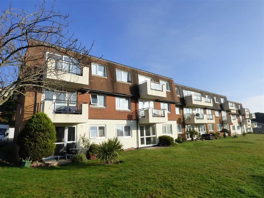 2 Bedrooms Flat for sale in St Johns Road, Bournemouth, Dorset, BH5