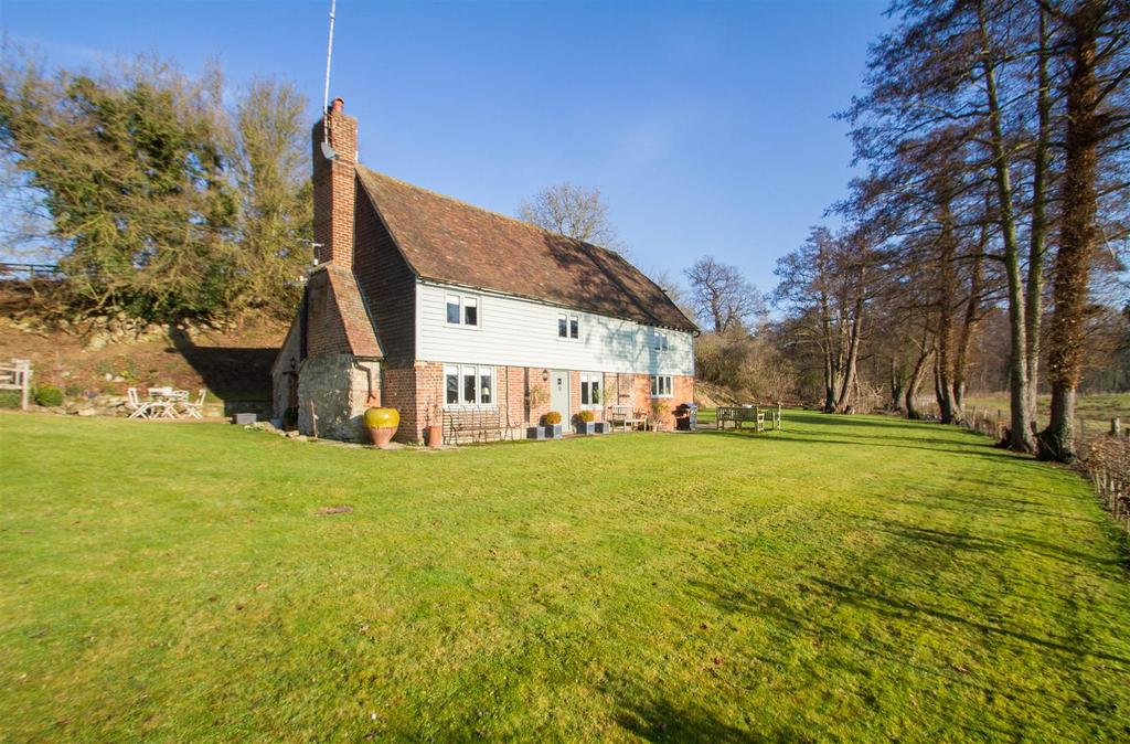 3 Bedrooms Cottage House for sale in Otham Lane, Bearsted, Maidstone