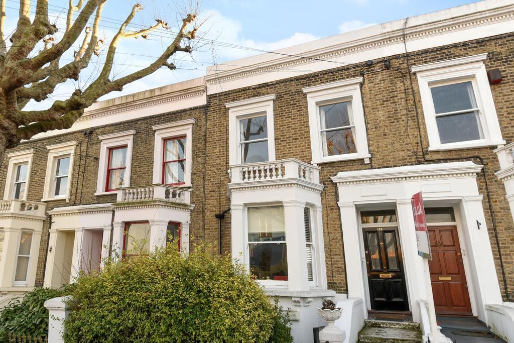1 Bedroom Flat for sale in Chadwick Road, Peckham Rye, SE15