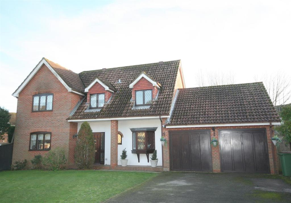 4 Bedrooms Detached House for sale in The Hooks, Henfield