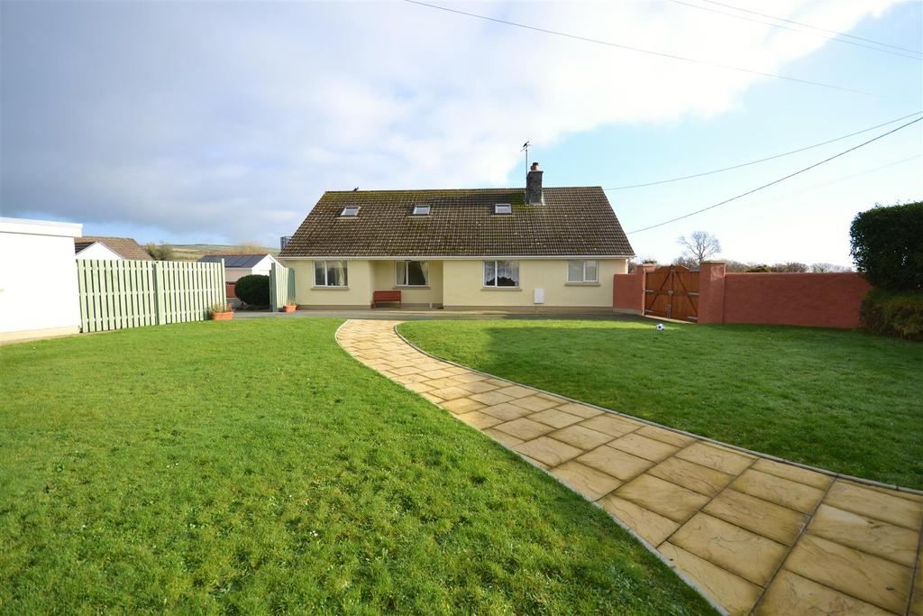 5 Bedrooms Detached Bungalow for sale in Letterston