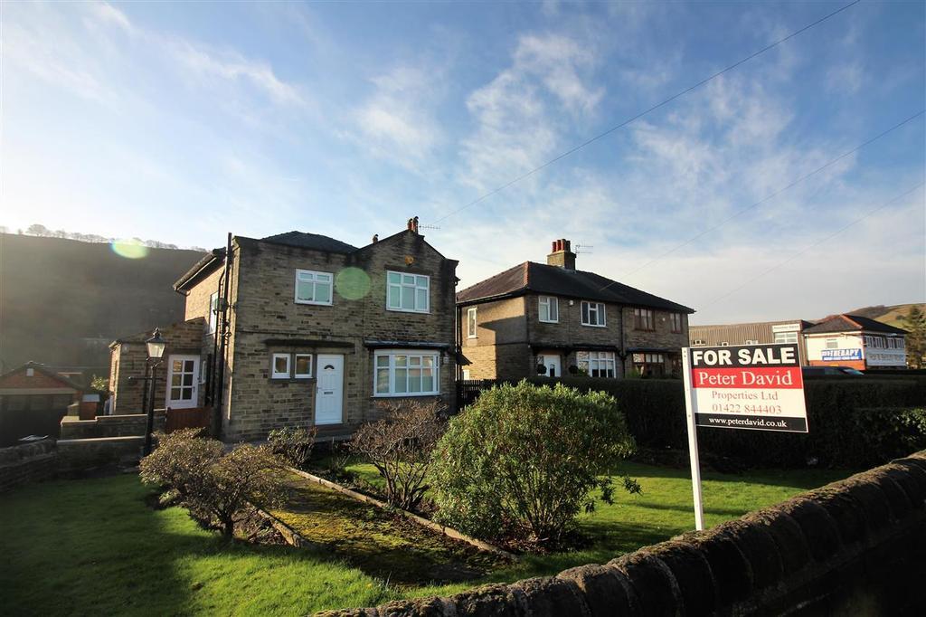 3 Bedrooms Detached House for sale in 'Beecholme', Burnley Road, Hebden Bridge
