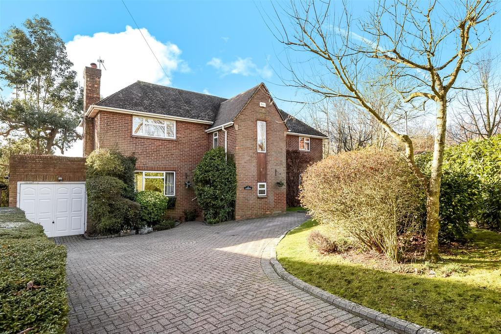 3 Bedrooms Detached House for sale in Torton Hill Road, Arundel