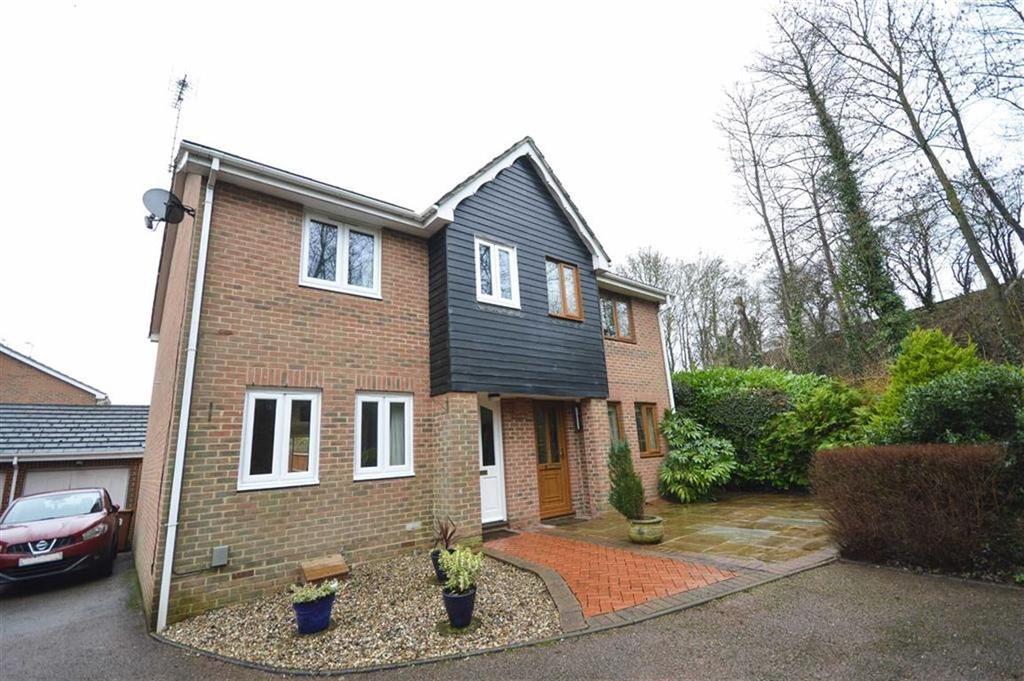 3 Bedrooms Semi Detached House for sale in Tollsworth Way, Puckeridge, Hertfordshire, SG11