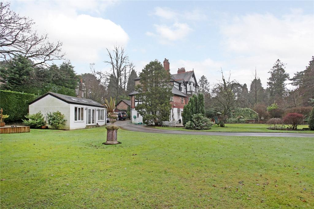 6 Bedrooms Semi Detached House for sale in South Downs Road, Hale, Altrincham, Cheshire, WA14