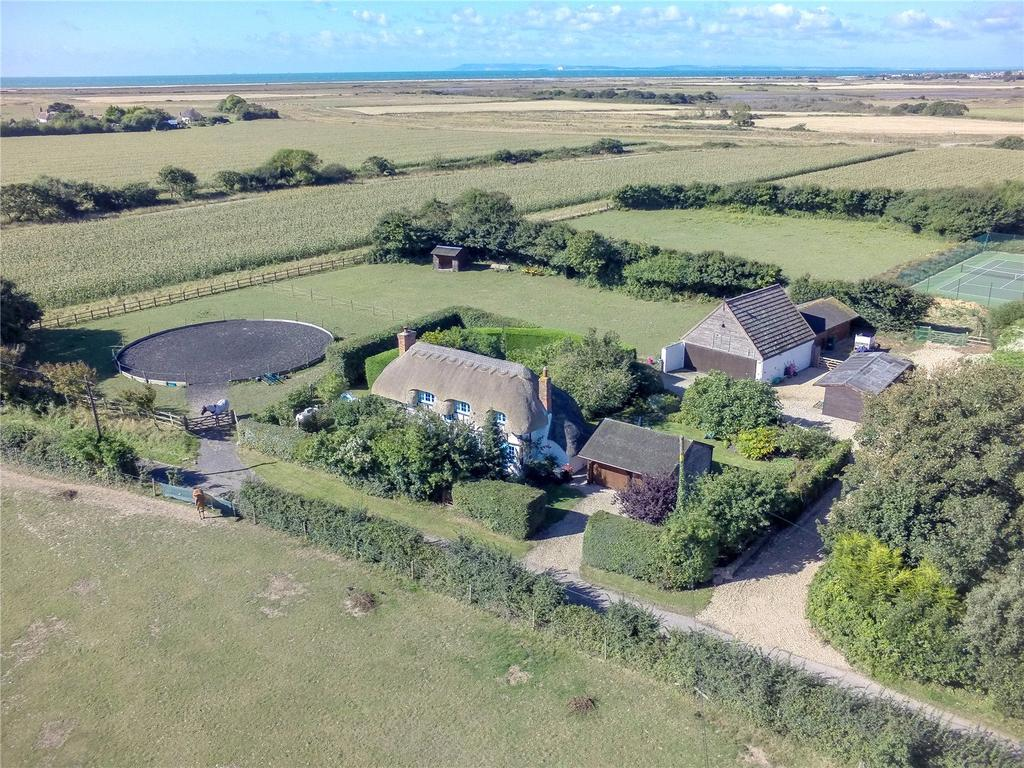 3 Bedrooms Equestrian Facility Character Property for sale in Ham Road, Sidlesham, Chichester, West Sussex
