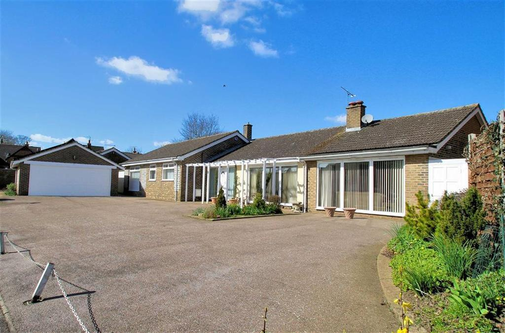 3 Bedrooms Detached Bungalow for sale in Tithe Close, Codicote, SG4 8UX