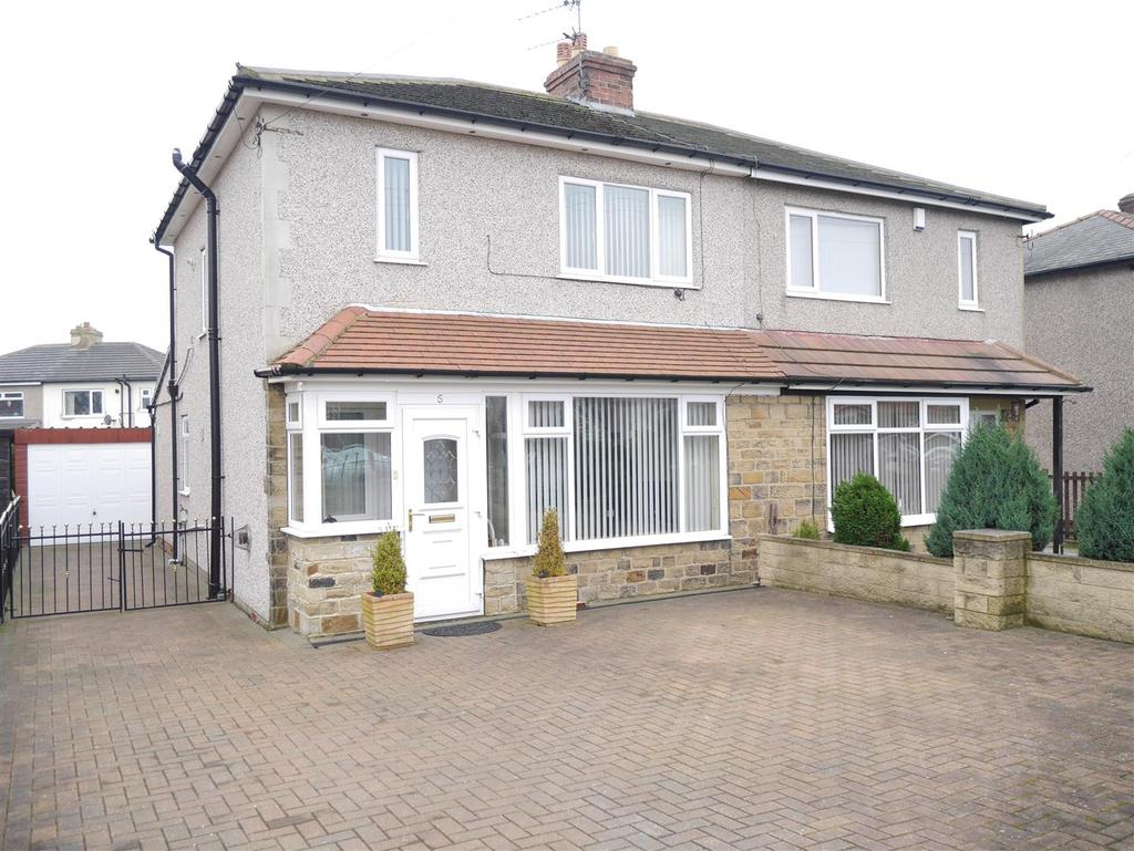 4 Bedrooms Semi Detached House for sale in Kingsway, Wrose BD2 1NE