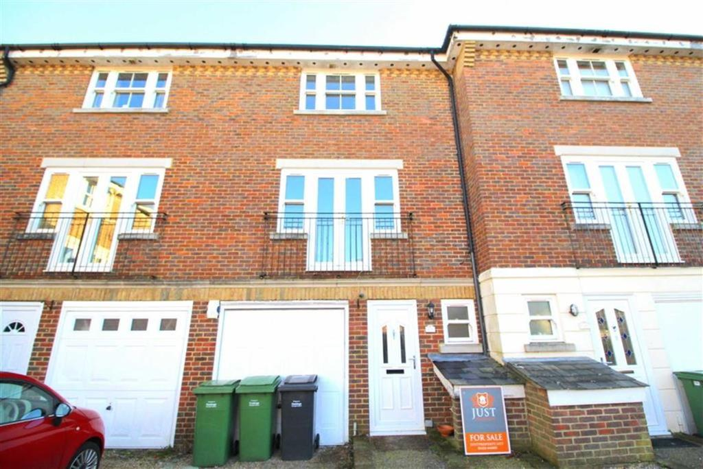 5 Bedrooms Town House for sale in Speckled Wood, Hastings