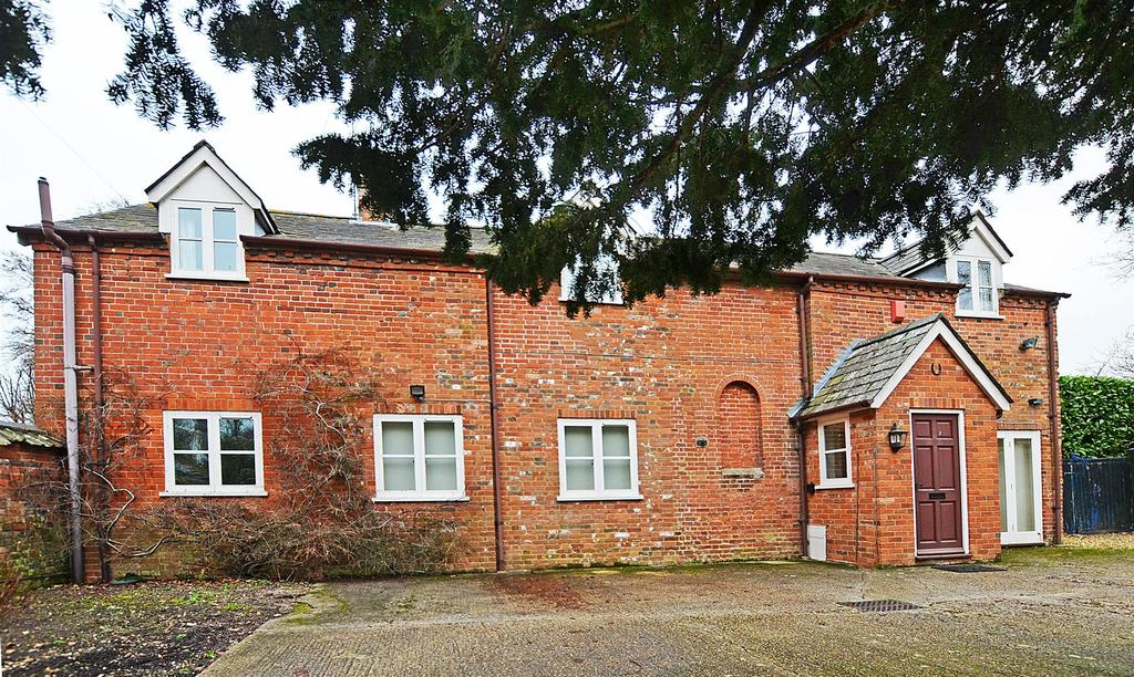 4 Bedrooms Detached House for sale in High Street, Upavon, Nr Pewsey