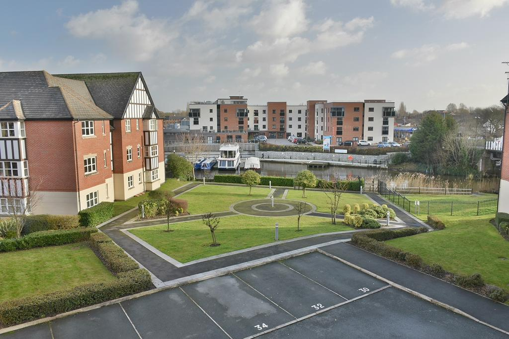 2 Bedrooms Apartment Flat for sale in Freshwater View, Northwich