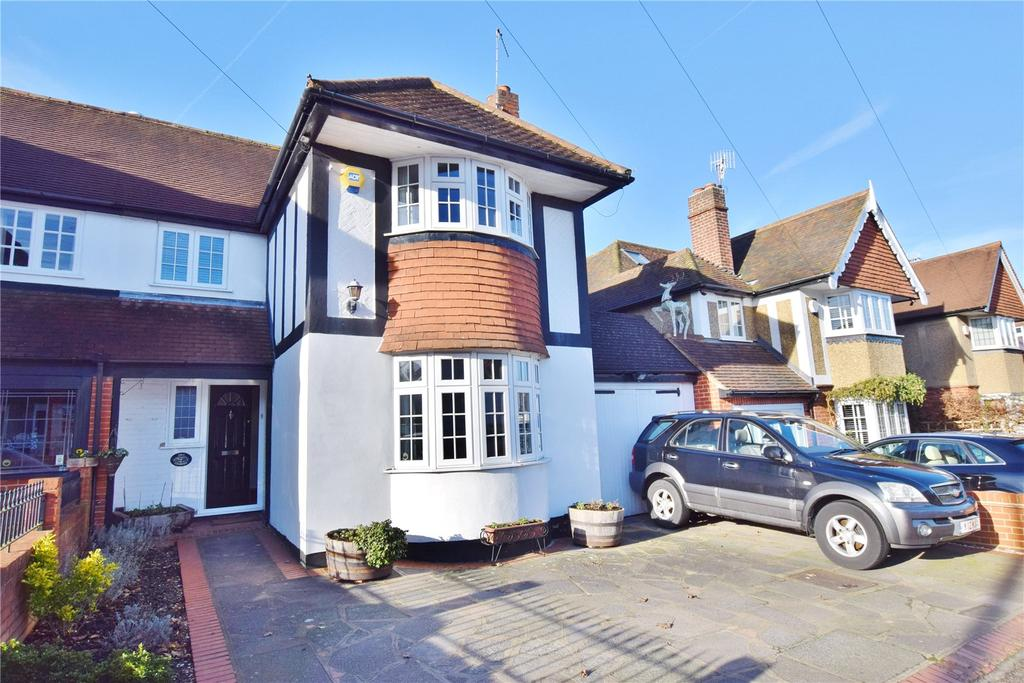 3 Bedrooms Semi Detached House for sale in Bournehall Avenue, Bushey Village, Hertfordshire, WD23