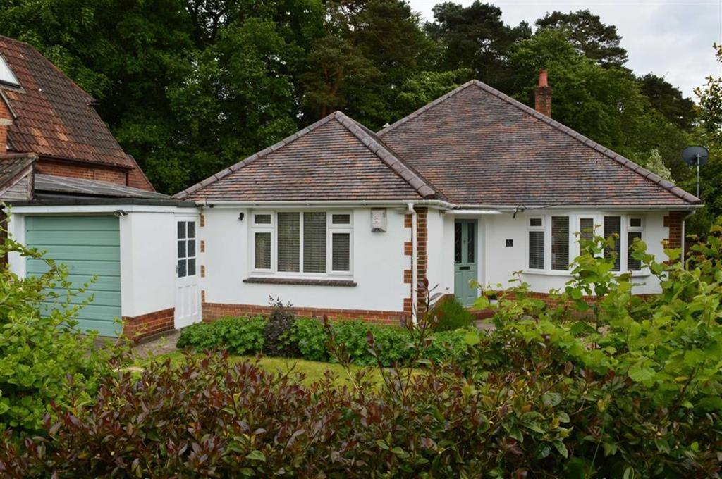 3 Bedrooms Detached Bungalow for sale in Whiteways, Wimborne, Dorset