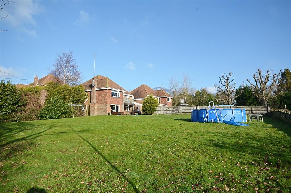 4 Bedrooms Detached House for sale in Pett Road, Pett