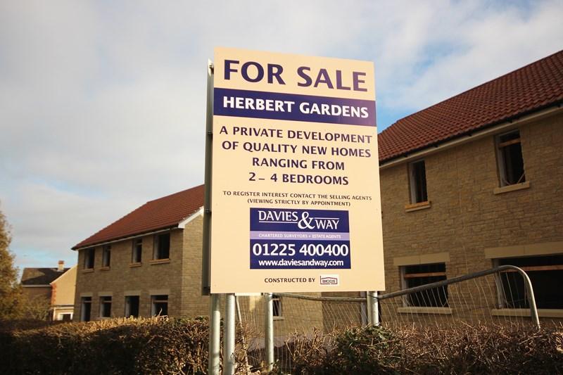 2 Bedrooms Semi Detached House for sale in Herbert Gardens, Farmborough, Bath