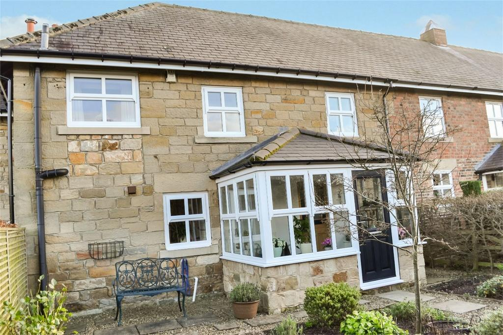 4 Bedrooms Terraced House for sale in The Old Byre, Eastfield, Morpeth, Northumberland