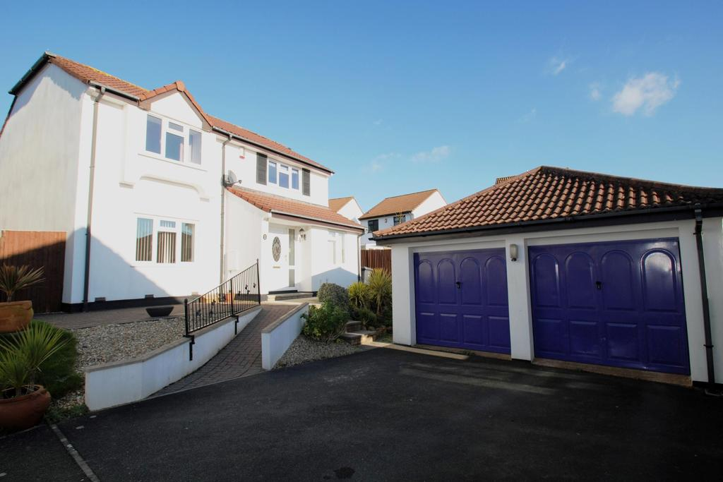 4 Bedrooms Detached House for sale in Meadowsweet Lane, Roundswell