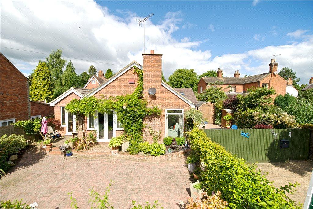 3 Bedrooms Detached Bungalow for sale in Duke Street, Aspley Guise, Milton Keynes, Bedfordshire