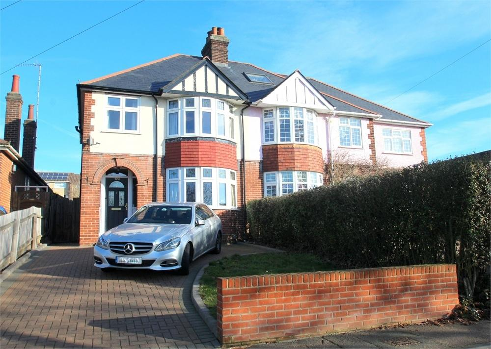 3 Bedrooms Semi Detached House for sale in St Andrews Avenue, COLCHESTER, Essex