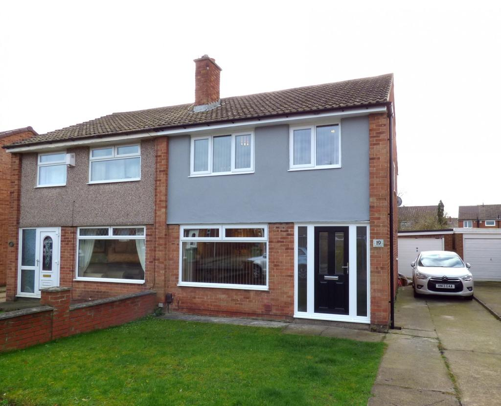 3 Bedrooms Semi Detached House for sale in Christchurch Drive, Stockton-On-Tees, TS18
