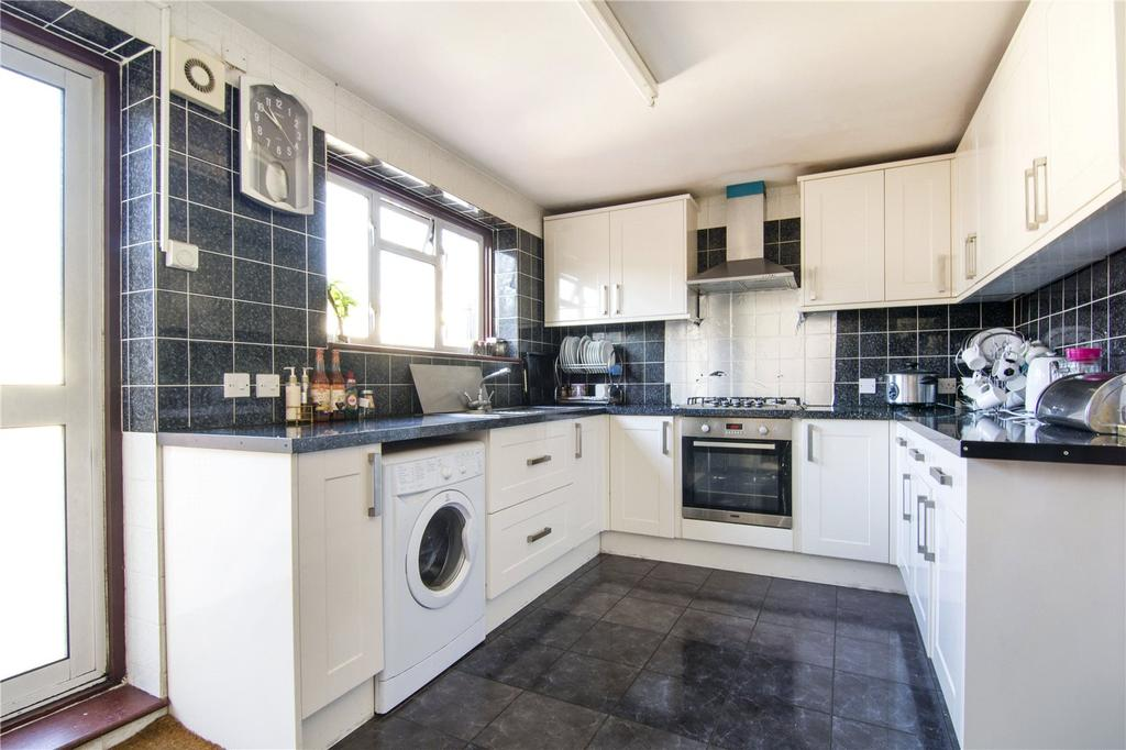 3 Bedrooms Terraced House for sale in Cecil Road, London, E13