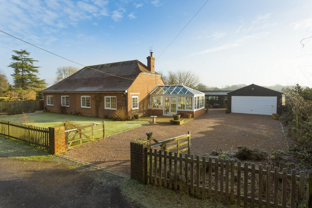 4 Bedrooms Detached House for sale in Bossingham Road, Stelling Minnis, CT4