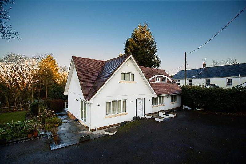 5 Bedrooms Detached House for sale in Rudry, Caerphilly, Mid Glam. CF83 3DF